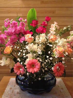 アシスタントさまと友達にもらったお花