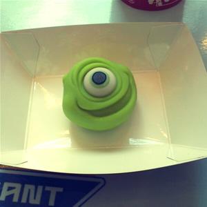 マイクの練り菓子